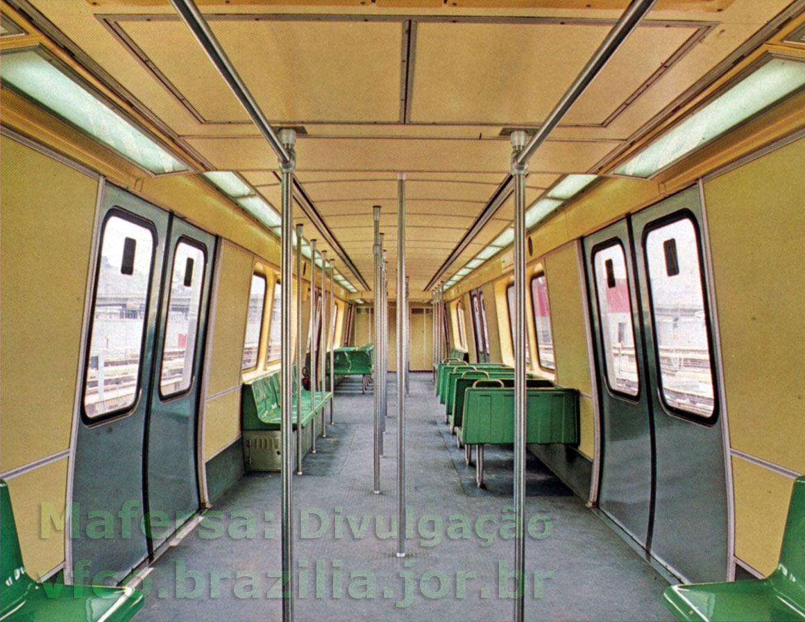Interior do trem Mafersa do Metrô Rio