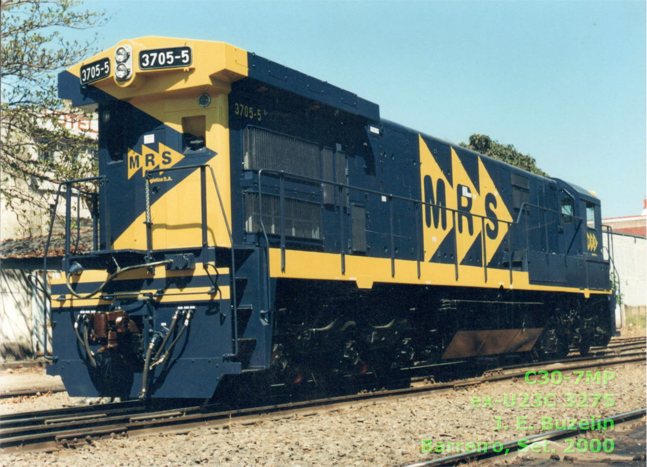 Locomotiva C30-7MP n° 3705-5 da ferrovia MRS
