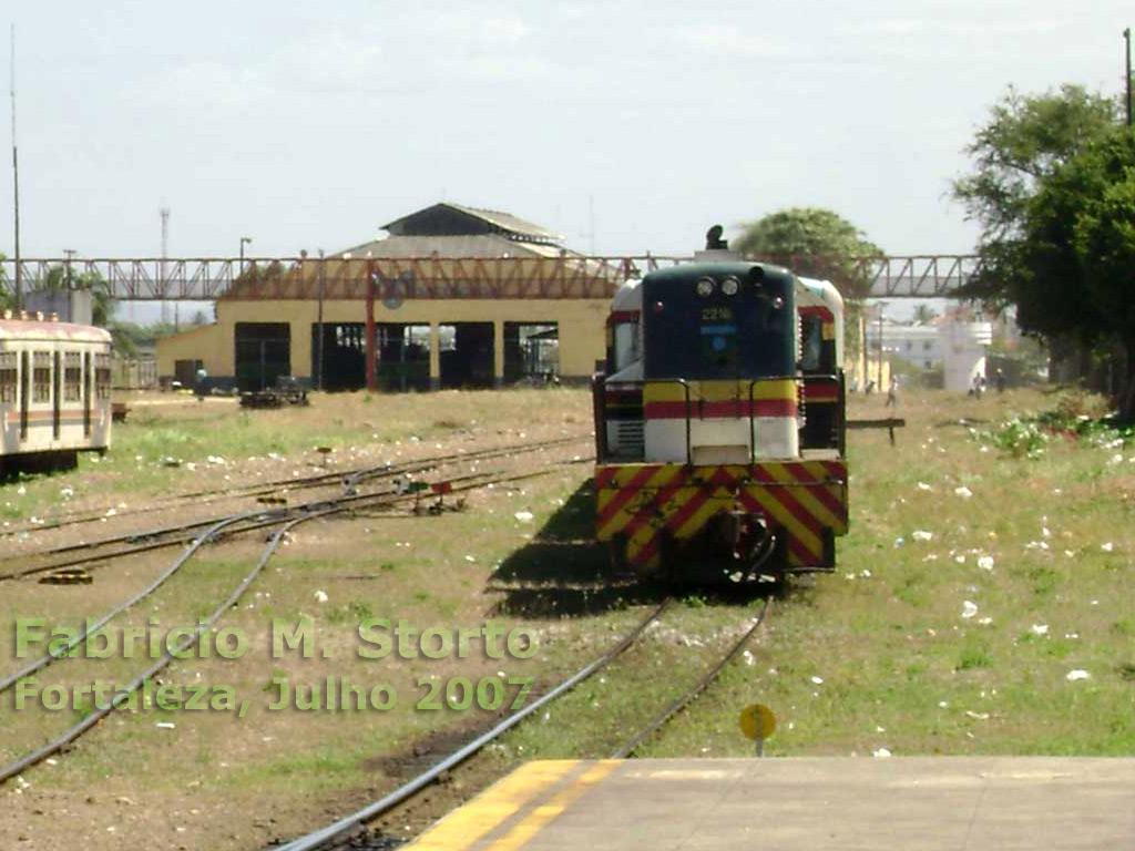 Outro galpão do conjunto das oficinas ferroviárias da antiga RVC - Rede de Viação  Cearense na estação Professor João Felipe, pouco além da passarela d3a83b3713