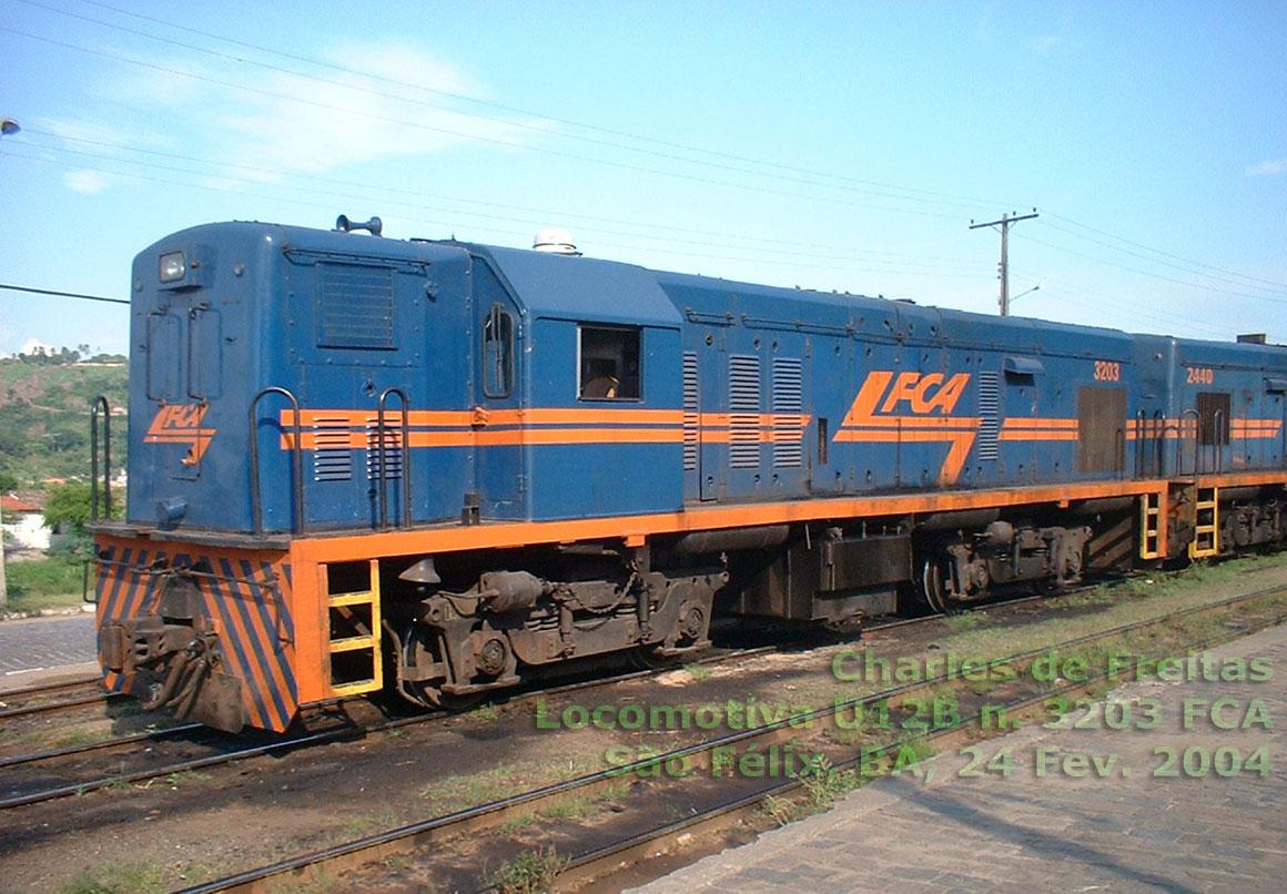 Fases de pintura de locomotivas 007e-Locomotiva-U12B-n.3203-FCA-24.Fev.2004